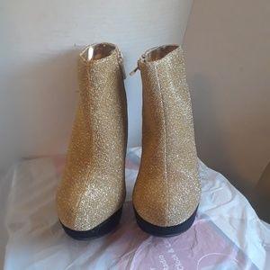 Anne Michelle Women's ankle boots size 6.5